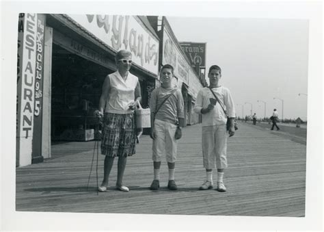 A Day Trip to Coney Island In The 1960s - Flashbak
