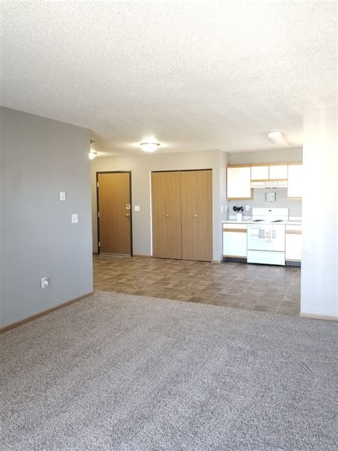 Eagle Run Apartments - West Fargo, ND | Apartment Finder