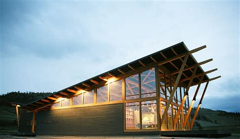 Timber Frame Commercial Building | Tobiano Discovery