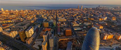 Barcelona's Poblenou Area - Tourist Information and Guide