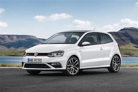 2015 Volkswagen Polo GTI Revealed with 1